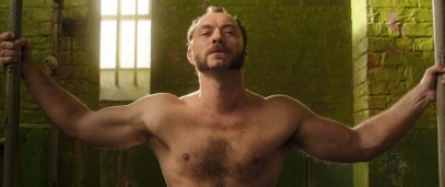jude law shirtless dom hemingway